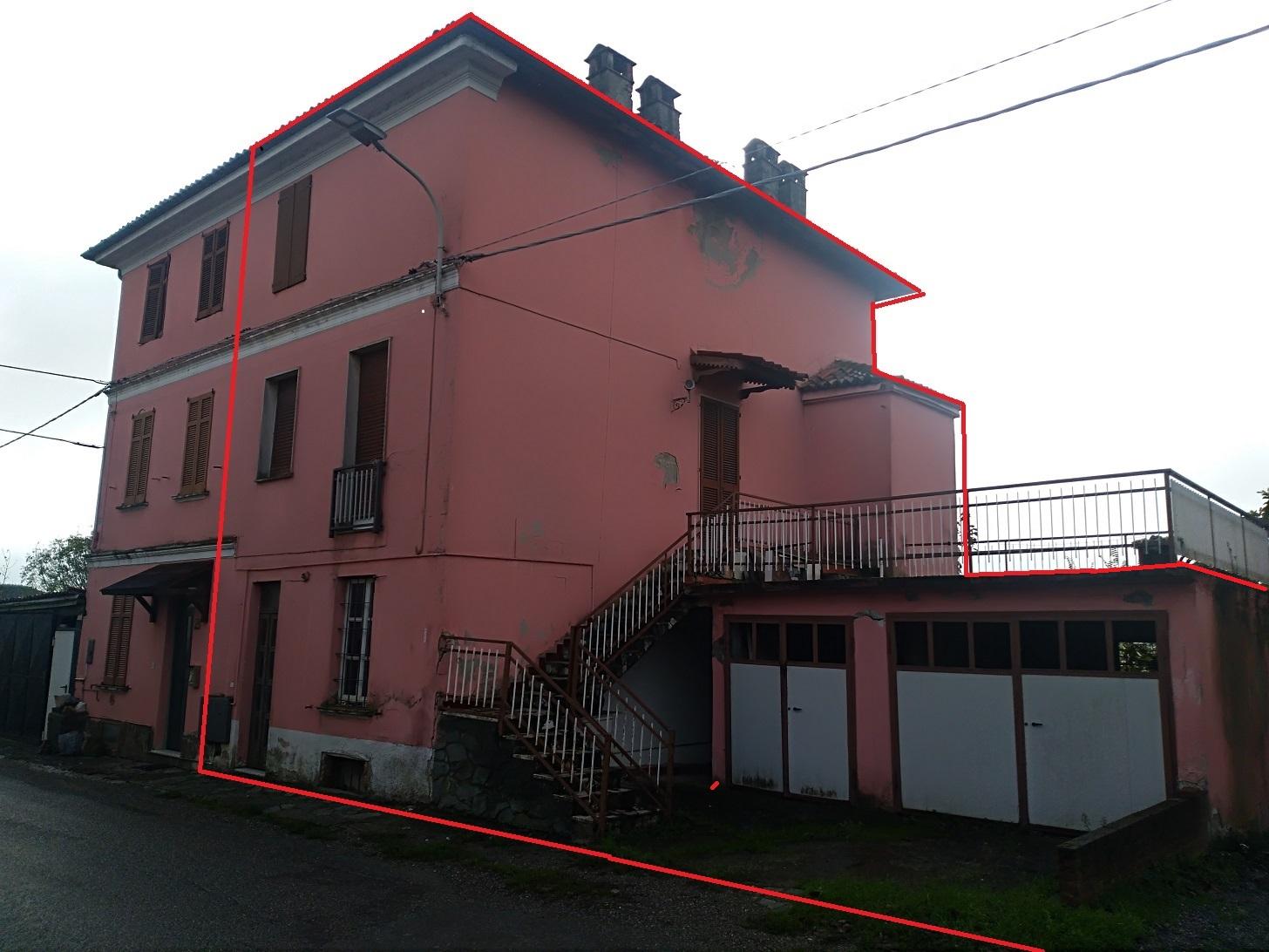 MONTU'  BECCARIA (PV) collinare casa d'abitazione autonoma con giardino